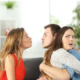 Как разорвать связь мужа с любовницей без скандала?
